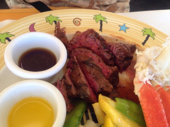 Star of Honolulu - Dinner and Whale Watch Cruises: ステーキも、焼き加減もよく、味もよく大満足です。