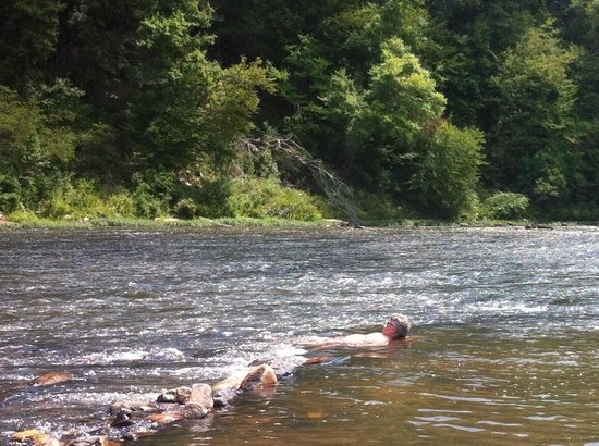 Sprewell Bluff Park: Laying in the Flynt River at Sprewell Bluff