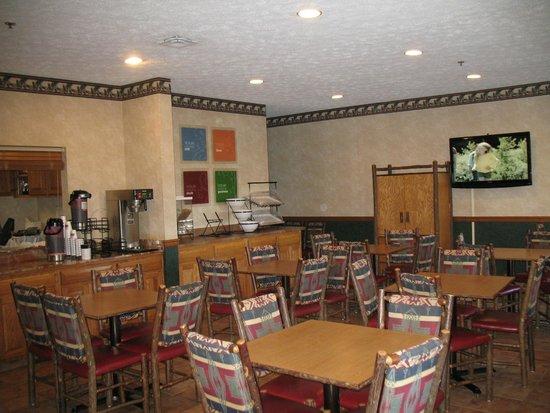 Comfort Inn : Breakfast dining area