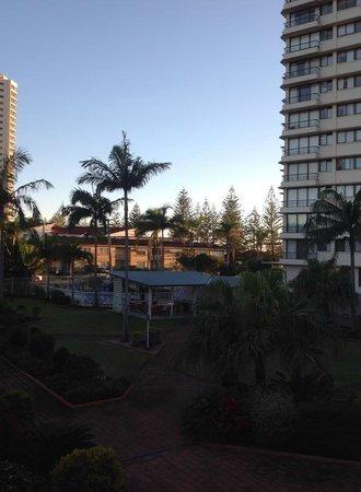 Key Largo Apartments: about 6.30am photo was taken
