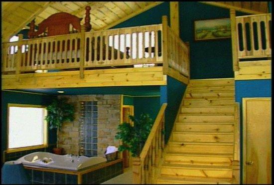 Percheron Paradise Romantic Hideaway: Chalet #5 loft with 6 x 10