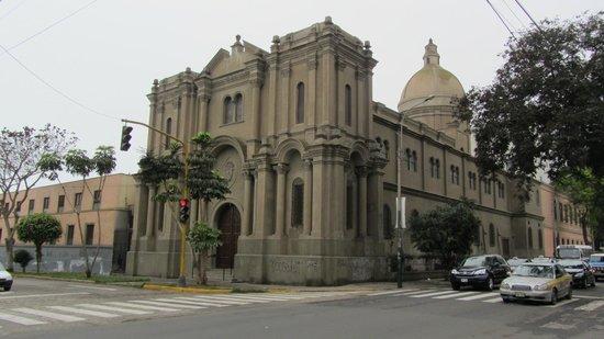 Barranco: Igreja no bairro
