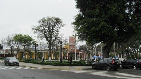 Barranco: Praça no centro do bairro