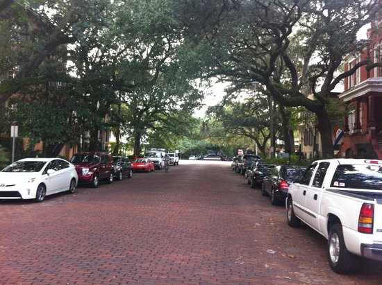 Eliza Thompson House Savannah: street in front of B&B