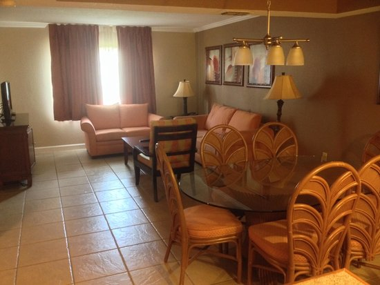 Legacy Vacation Resorts-Lake Buena Vista: Living area of 2 bedroom suite