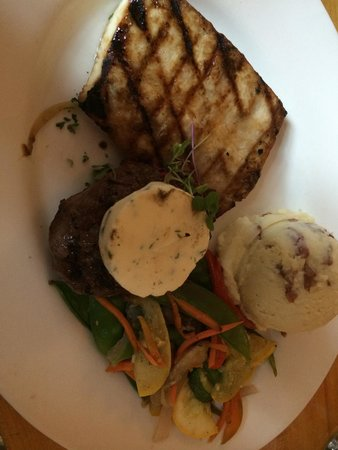 Mixed Grill.  Mahi-Mahi and filet.  Was ok.  Fish was bland and slightly over cooked.