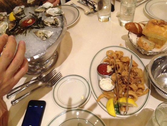 Joe's Seafood, Prime Steak & Stone Crab: ostras, camarão e lulas fritas