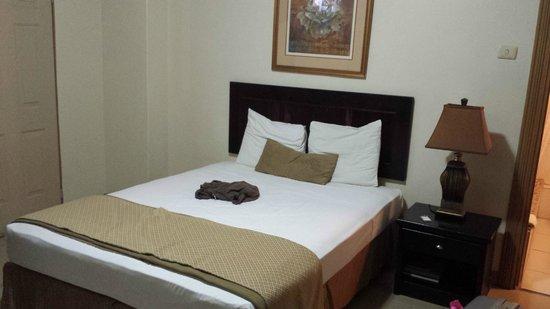 Palm's Hotel Trinidad: Bed