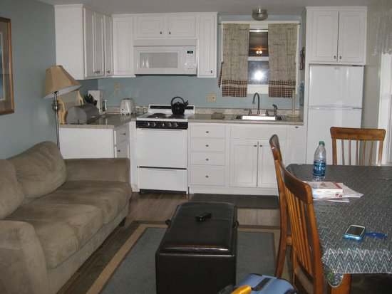 Colonial Gables Oceanfront Village: Living/Dining/Kitchen