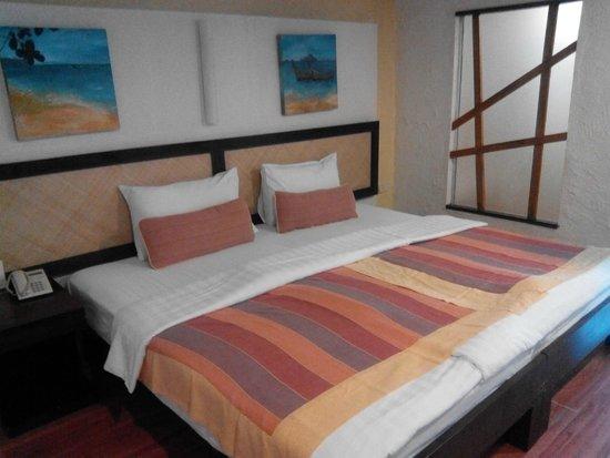 Phra Nang Inn: bed