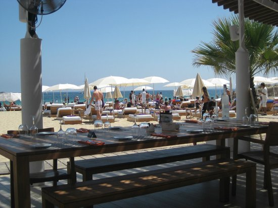 club promoters on hard rock beach picture of hard rock hotel ibiza playa d 39 en bossa tripadvisor. Black Bedroom Furniture Sets. Home Design Ideas