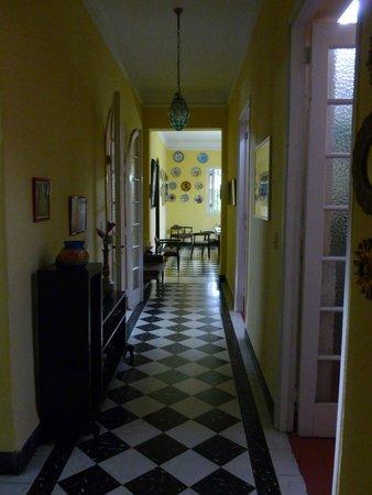 Casa Diana: Lovely cool hallway