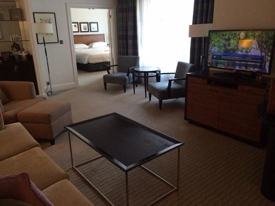 Hyatt Regency London - The Churchill: large comfy suite