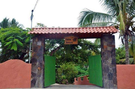 Lava House Hostal : entrada