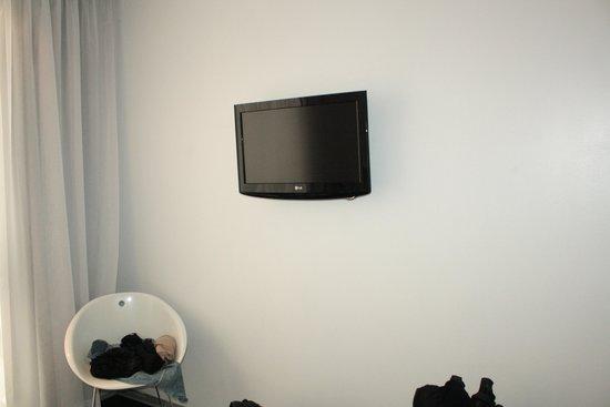 Mayerling Hotel: Flat screen tv