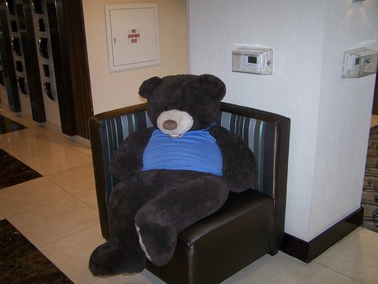 Hampton Inn & Suites Las Vegas Airport: Official Greeter. This is what you see in the lobby