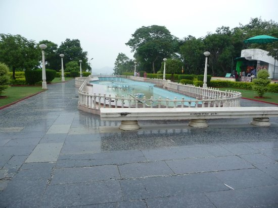 Maharana Pratap Memorial: Fountains
