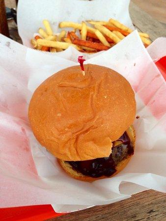 Stewz Maui Burgers: Yum!