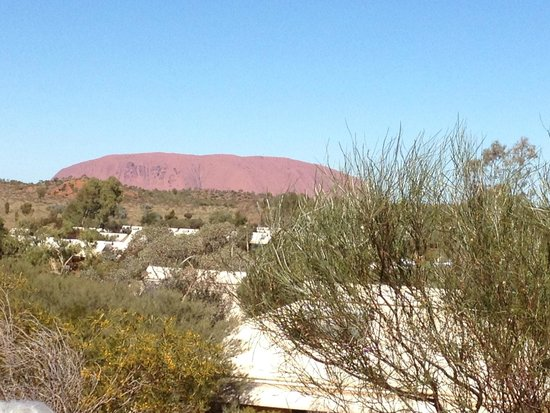 Ayers Rock Campground : Ayres Rock from the dune at the rear of the park