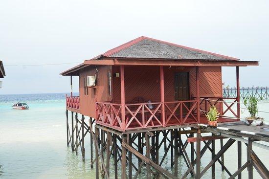 Maratua Paradise Resort: our room