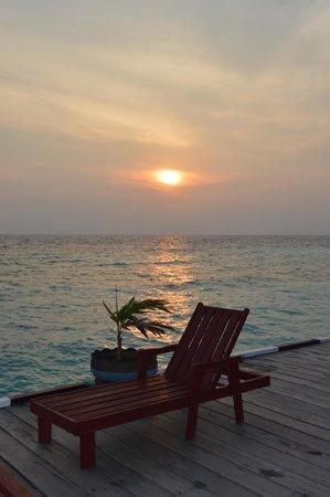 Maratua Paradise Resort: sunset