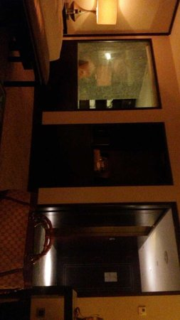 Mandarin Oriental, Jakarta: view of the entrance and walking closet from the room