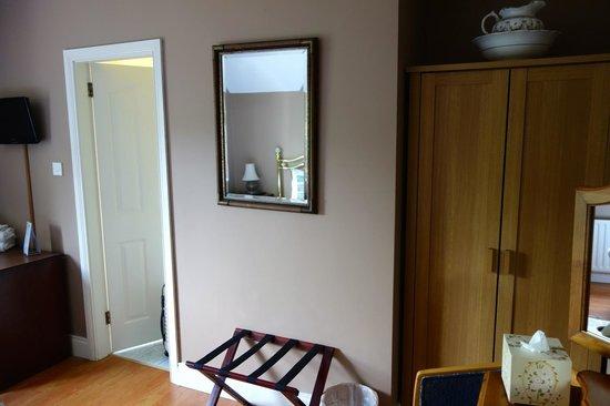 Dungimmon House: Zimmer (No.5) im OG