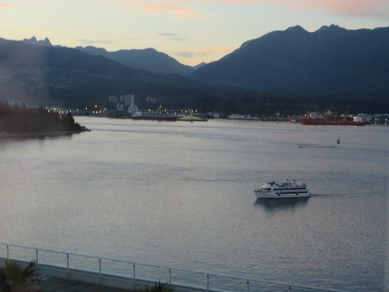 Pan Pacific Vancouver: Harbour at Dusk -- View from our room.