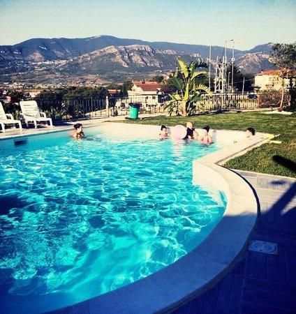Panorama da piscina sulla pianura di paestum foto di la for Piscina rosa dei venti