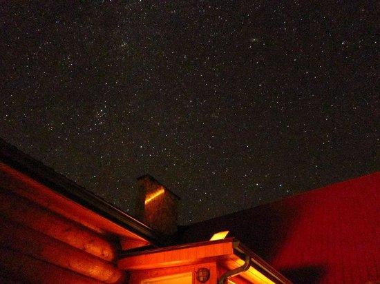 Inn On The Lake: ウッドデッキから見た星空