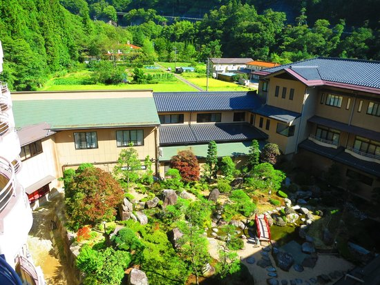 Yumoto Hotel Achigawa : 中庭