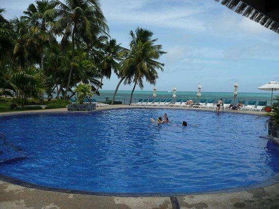 Coco de Mer - Black Parrot Suites : Swimming pool