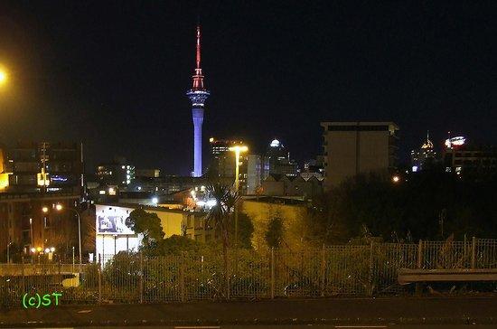 Sky City Casino : Sky Tower at night