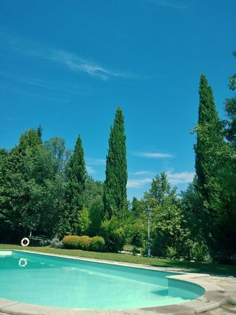 Montecorneo Country House: Piscina esterna estiva