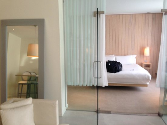 The Morgan: Lovely glass doors between the living area and bedroom