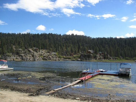 Big Bear Frontier Cabins & Hotel: Big Bear Lake's Boulder Bay