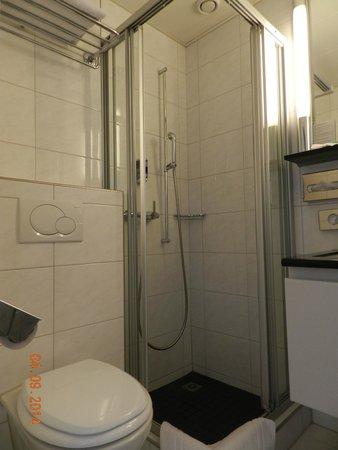 Sorell Hotel Seidenhof: Ванная комната.
