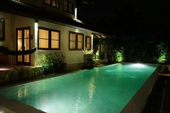 Munari Resort & Spa: Uitzicht vanaf het zwembad