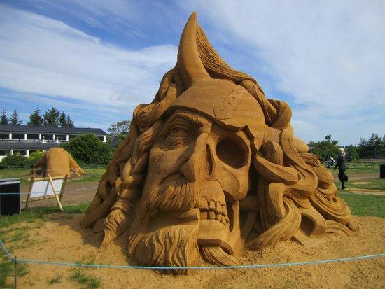 Jammerbugt Municipality, Danemark : Blokhus Sand Sculpture Festival - Blokhus Kulturhus
