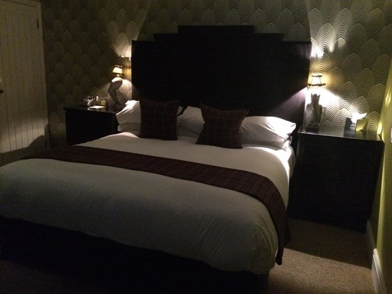 The Angel Hotel: The Bed