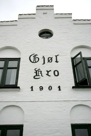 Gjol, เดนมาร์ก: Gjøl Kro -restaurant in Gjøl Harbour