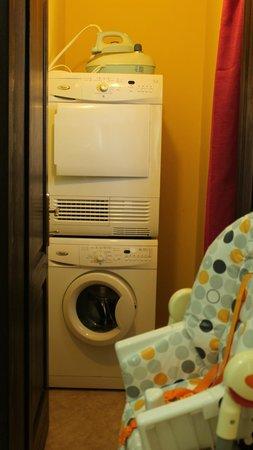 Asproyerakata, Greece: βοηθητικος χώρος  με πλυντήριο , στεγνωτήριο, γεννήτρια ατμού  και παιδικό καρεκλάκι