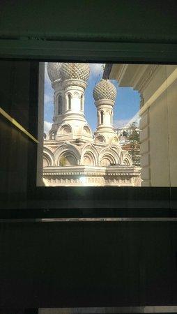 هوتل ديه باري سانريمو: вид из лифта