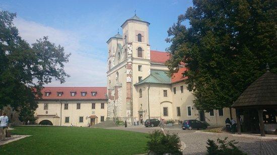 Benedictine Abbey of Tyniec: Widok z dziedzińca
