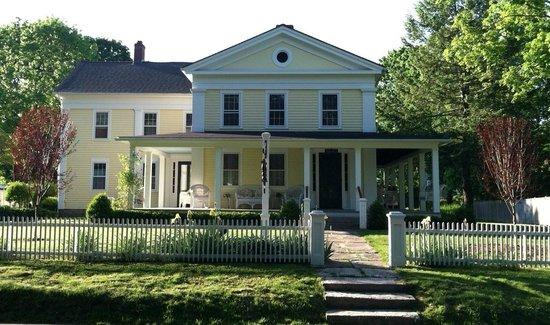 Bushnell House Inn