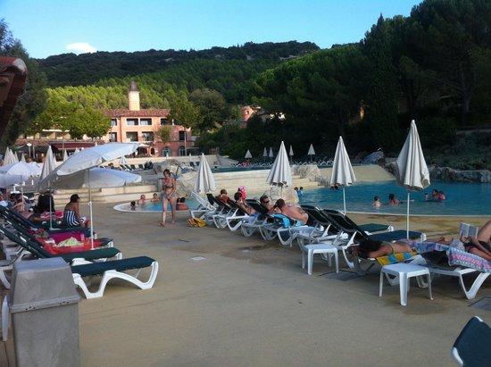 Pierre & Vacances Village Club Le Rouret : Piscine aqualudique (bassin chauffée)