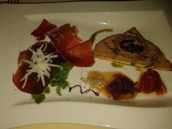 Kukuriku: patee and onion marmelade, so delicious