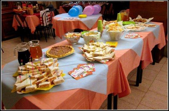 tavolo buffet compleanno - Foto di Ristorante