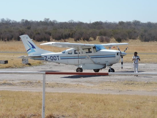 Wilderness Safaris Toka Leya Camp: One of Wilderness Air's small planes that took us from Zambia to Davison's in Zim - AMAZING pilo