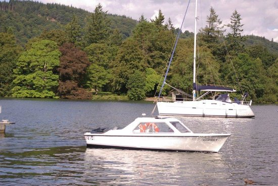 Bowness-on-Windermere, UK: Hire Boat